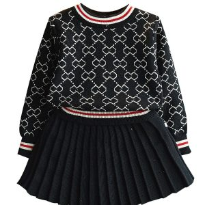 best two piece pleated skirt and sweater outfit